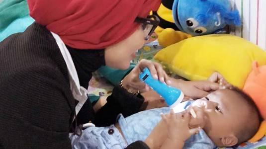 Mengatasi Kolik dengan Menggunakan Botol Susu Anti Kolik