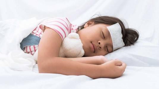 6 Cara Menurunkan Panas pada Anak