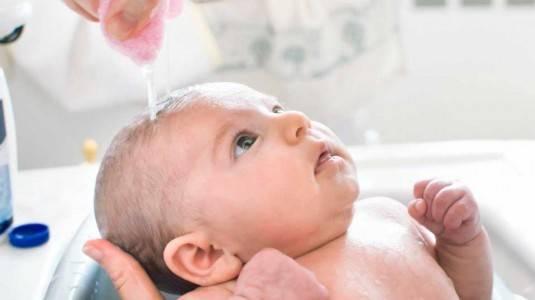 Tips Merawat Kulit Bayi Bertipe Normal