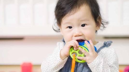 Tumbuh Gigi, GTM, dan Cara Menghadapinya ala Mom Intan