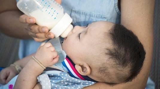 Botol Comotomo: Mencegah Kolik pada Bayi