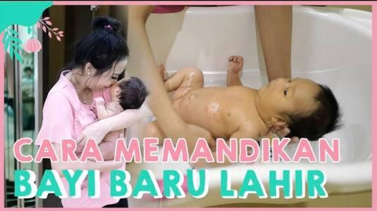Cara Memandikan Bayi Newborn