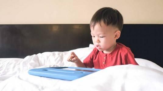 Pengaruh Gadget terhadap Kemampuan Bicara Anak