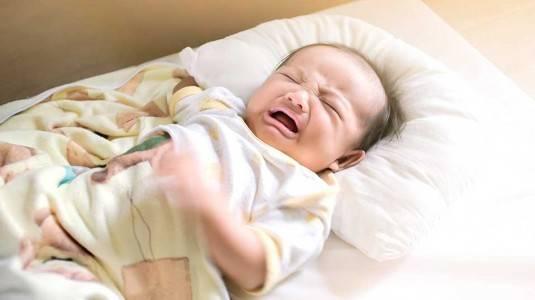 Cara Mengatasi Bayi Rewel Saat Mau Tidur