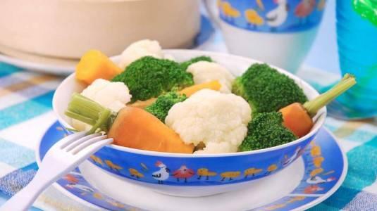 Kenapa Makanan Lebih Baik Dikukus, Tidak Direbus?