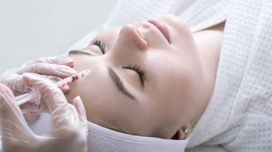 Amankah Melakukan Botox dan Filler Saat Hamil atau Menyusui?