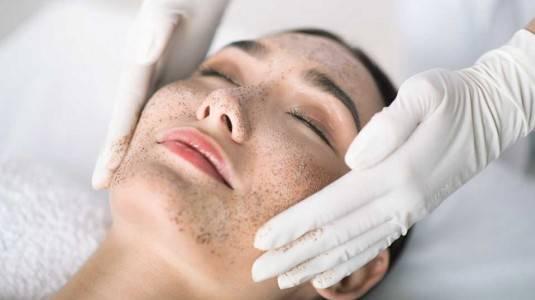 Amankah Melakukan Perawatan Wajah (Facial) Saat Hamil?