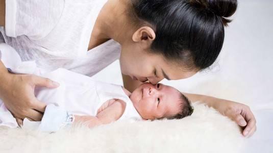 Mitos dan Fakta Merawat Bayi