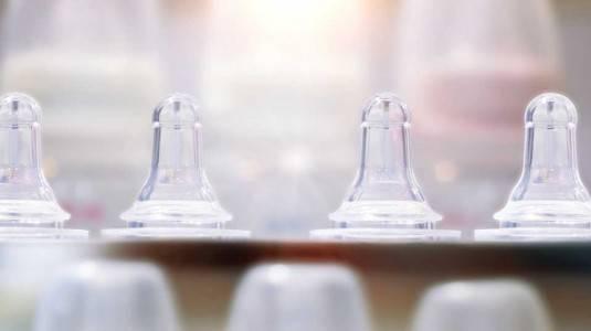 Manakah Pilihan Ibu Millenial? UV sterilizer Ataukah Konvensional?