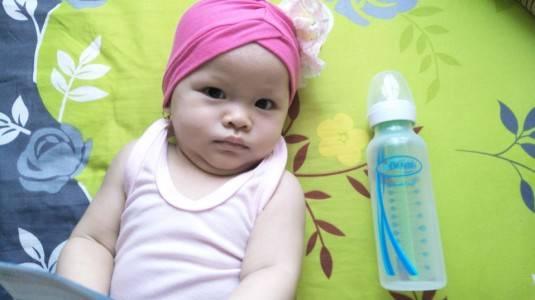 Botol Susu Anti Kolik, Perlu Beli atau Tidak?
