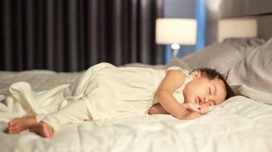 Ketahui! Ini Dia 4 Tips agar Bayi Tidur Nyenyak pada Malam Hari