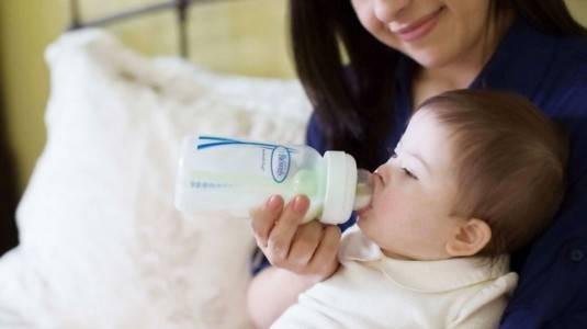 Pilihan Terbaik Botol Susu Anti Kolik untuk Buah Hati