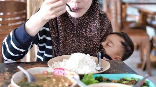 5 Tips Mempermudah Puasa bagi Ibu Menyusui