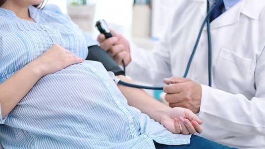 Amankah Melakukan Medical Check Up Saat Hamil?