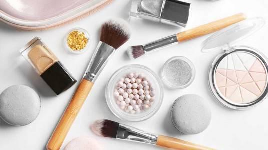 Daftar Produk Kecantikan yang Harus Diwaspadai Selama Hamil