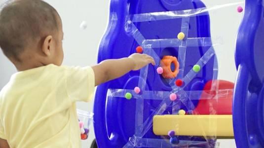 Ide Bermain untuk si Kecil: Sticky Spider Web