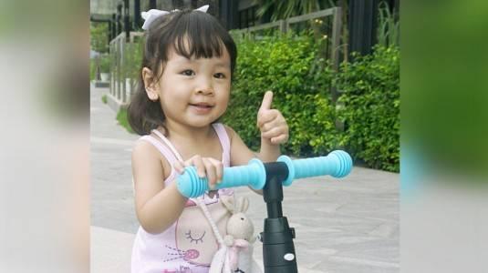 Tips Sukses Mengajarkan Meghan Bersepeda Roda 3