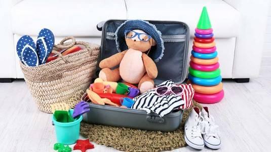 Perlengkapan yang Saya Bawa Ketika Travelling Bersama Anak
