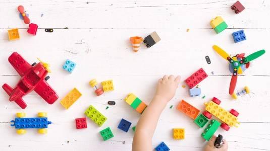 Ide dan Manfaat Balita Bermain LEGO