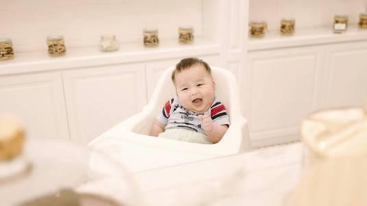 Feses BAB Bayi Berwarna Hijau, Apakah Berbahaya?