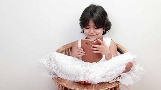 Dampak Positif dan Negatif Penggunaan Gadget pada si Kecil