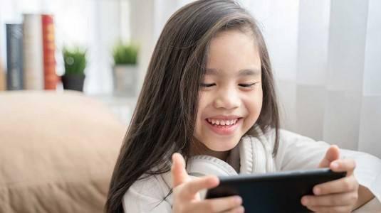 Pengaruh Gadget Terhadap Perkembangan Anak