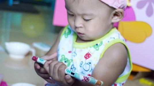 Dampak Positif & Negatif Gadget bagi Anakku Yura