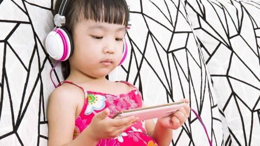 Dampak Gadget Terhadap Anak dan Cara Mengatasinya