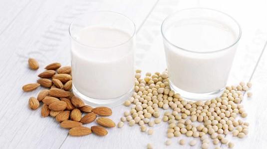 Manfaat Susu Almond dan Susu Kedelai Untuk Bumil