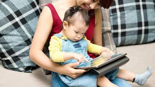 Kenalkan Gadget pada Anak dengan Bijak