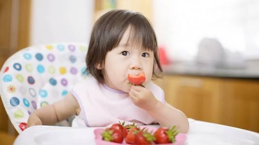 Tips Memberikan Snack Sehat untuk Gigi pada Si Kecil