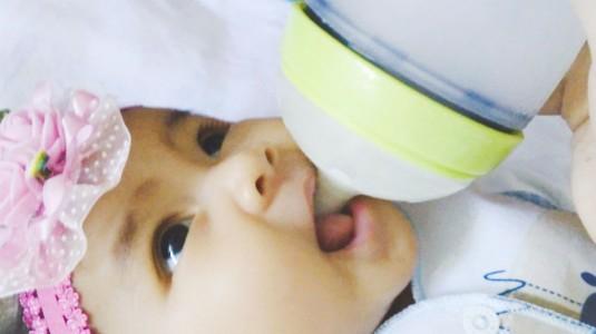 Bayiku Rewel Karena Kolik! Saatnya Saya Beralih Ke Botol Susu Anti Kolik