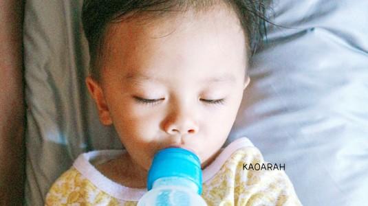 Cara Menyusui & Penggunaan Botol Susu yang Tepat untuk Menghindari Kolik