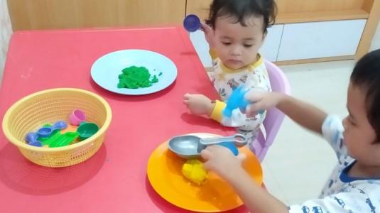 Membuat Playdough Rumahan
