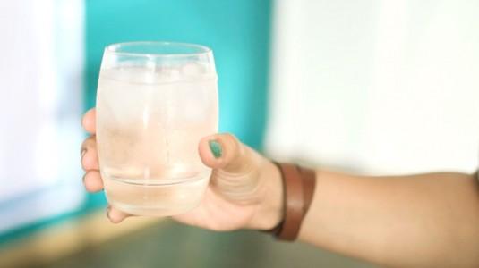 Busui Jangan Minum Es Atau Minuman Panas, Mitos atau Fakta?