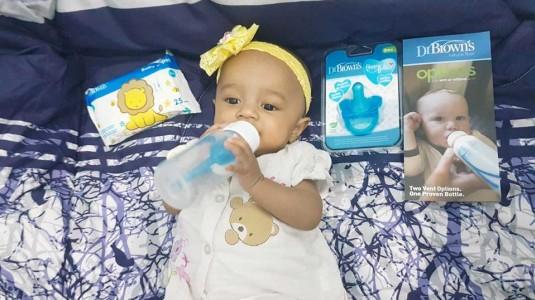 Review Botol Susu dan Tisu Basah Dr. Brown's by Mom Asih