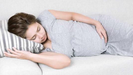 Susah Tidur di Trimester Ke-3? Atasi Dengan Cara Sederhana Ini