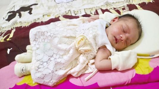 Benarkah Ada Bantal yang Dapat Mencegah Kepala Bayi Menjadi Peyang?