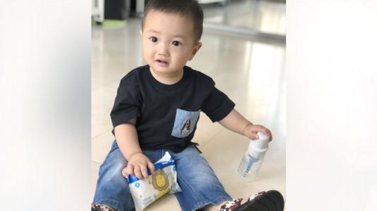 Botol Susu Dr. Brown's Anti Colic dan Natural Baby Wipes