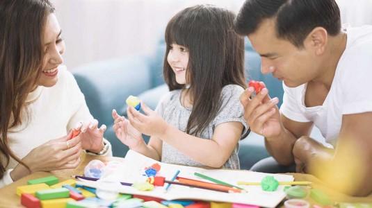 Kenali Saat yang Tepat untuk Ajarkan 7 Hal Berikut kepada Si Kecil