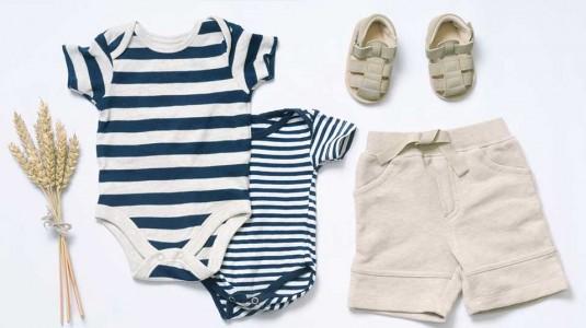 Serba-serbi tentang Pakaian Bayi yang Aman untuk Perkembangannya