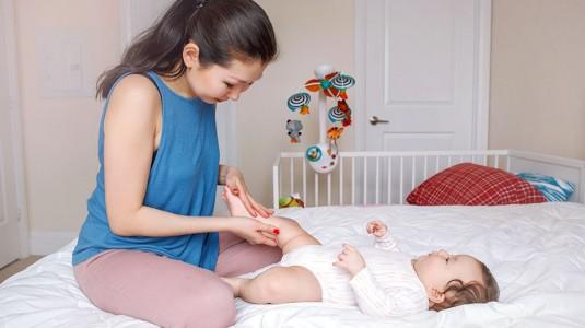 Moms, Inilah Beragam Manfaat Senam Bayi Bagi Tumbuh Kembang si Kecil