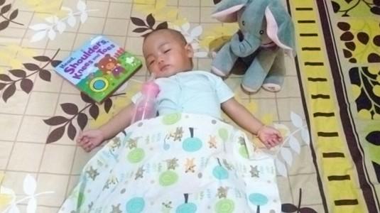 Cegah Risiko Bayi Kolik dengan Botol Susu yang Tepat