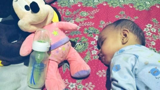 Tidur Nyenyak Karena Botol Susu Anti Kolik