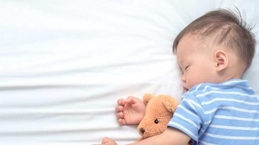 Anak Tidur Nyenyak Karena Memilih Botol Susu yang Tepat