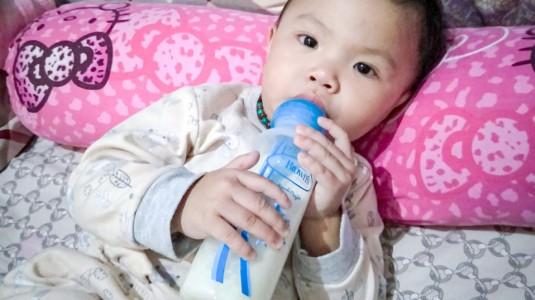 Beralih ke Botol Susu Anti Kolik dan Bayipun Tidur Nyenyak Semalaman