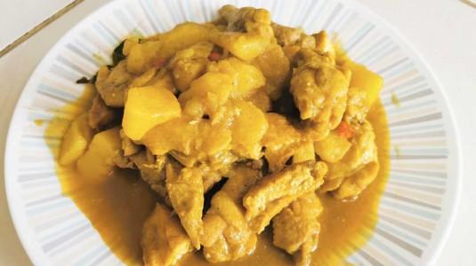 Kari Ayam Kentang