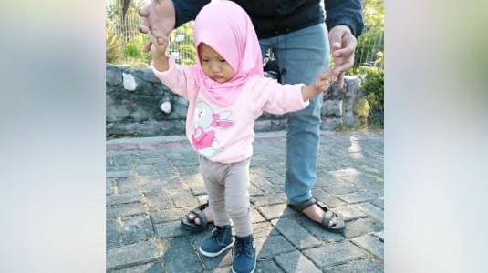 Cara Menstimulasi Kemampuan Berjalan Pada Anak