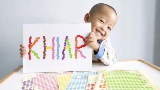 Ide Bermain untuk si Kecil: Sticker Names