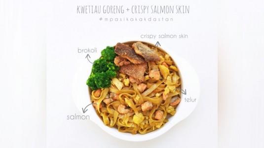Menu Anti GTM - Kwetiau Goreng Salmon + Crispy Salmon Skin